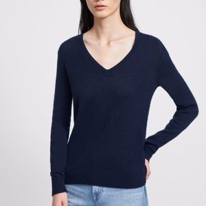 Theory Navy Featherweight Cashmere V-Neck Sweater